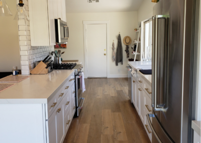 Wood Floors White Shaker Kitchen Cabinets